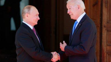 صورة بوتين يفند الصورة النمطية التي رسمها الإعلام لبايدن