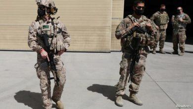 صورة سلسلة هجمات تستهدف دبلوماسيين وعسكريين أميركيين بالعراق وسورية توعدت الفصائل العراقية بالرد بعد أن قتلت هجمات أميركية على الحدود العراقية السوريا أربعة من أعضائها الشهر الماضي
