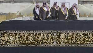 صورة ما هو سر صعود بن سلمان سطح الكعبة المشرفة