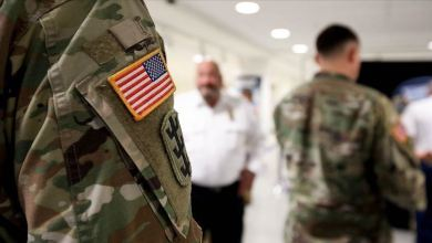 صورة الجيش الأمريكي ينقل معداته من قطر إلى دولة عربية أخرى