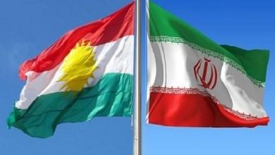 صورة إصبع على الجرح ..  علم كردستان في طهران ..