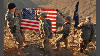 """صورة كما لعبة الورق خسارة وربح.. محارب أمريكي قديم في فيتنام: """"أمريكا قذفت بالأوراق الخاسرة وتتحالف مع طالبان لإطلاق النار في مكان آخر"""