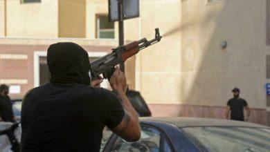 صورة حزب «القوات» يطلق النار على نفسه…