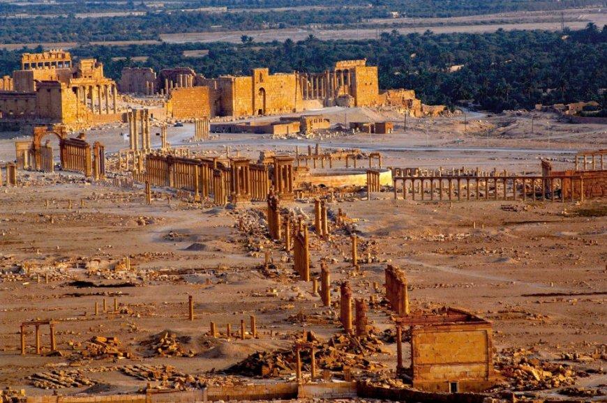Vista de Palmyra desde la cima de la montaña