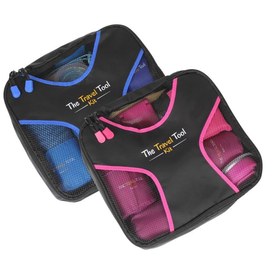 Una imagen del Travel Tool Kit en sus dos colores, azul y rosa, dentro de su empaque.