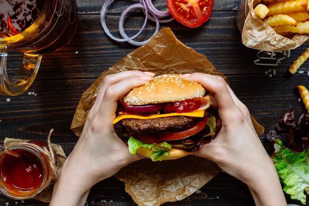 Le groupe QUICK perd sa marque « Giant » pour désigner son célèbre Burger