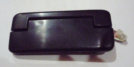 DOOR HANDLE OUTER RIGHT HAND MIDDLE D/ S89