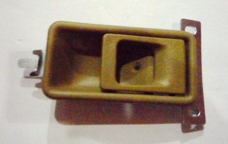 DOOR HANDLE INNER RIGHT HAND BROWN M/ L300