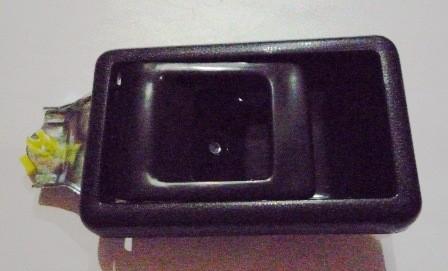 DOOR HANDLE INNER LEFT HAND BLACK T/ KIJANG SUPER