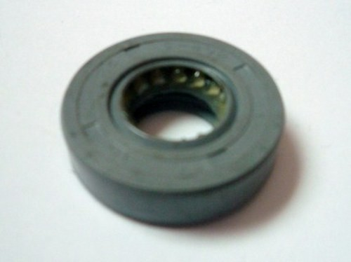 OIL SEAL ALTERNATOR I/ PANTHER