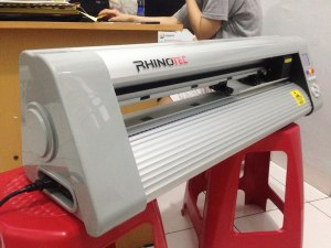 Mesin cutting sticker
