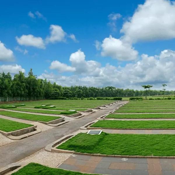 Suasana Al Azhar Memorial Park
