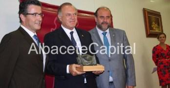 Pedro Piqueras, garlardonado con el premio Nacional de Periodismo 'Pedro Antonio de Alarcón'
