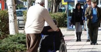 Un nuevo programa regional formará por primera vez a los cuidadores de dependientes