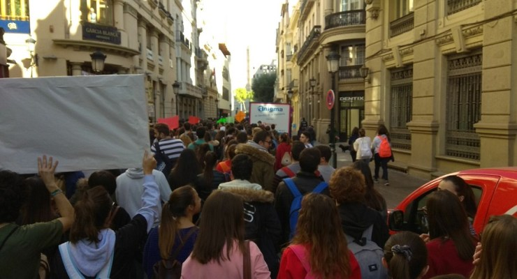 VíDEO| Los estudiantes salen a las calles de Albacete pidiendo más financiación para la UCLM