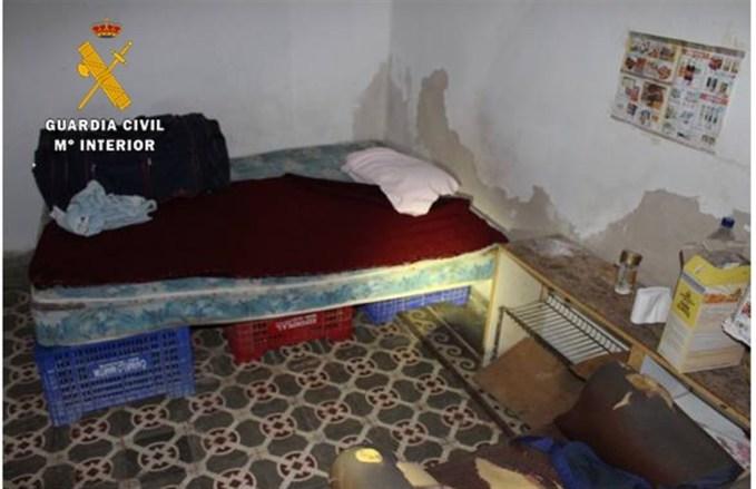 La Guardia Civil detiene a 4 personas y libera a 22 trabajadores que eran explotados laboralmente en Balazote