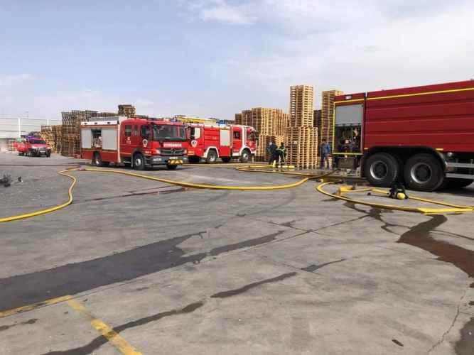 incendio palets Roda bomberos