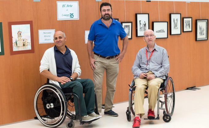 Mariano Rivera, Julio Pinillos y Julian Alonso autores de la exposición conmemorativa del 25 aniversario de ASPAYM Toledo