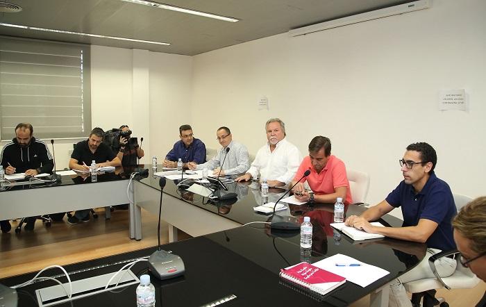 El gobierno regional acuerda con los sindicatos por for Mesa funcion publica