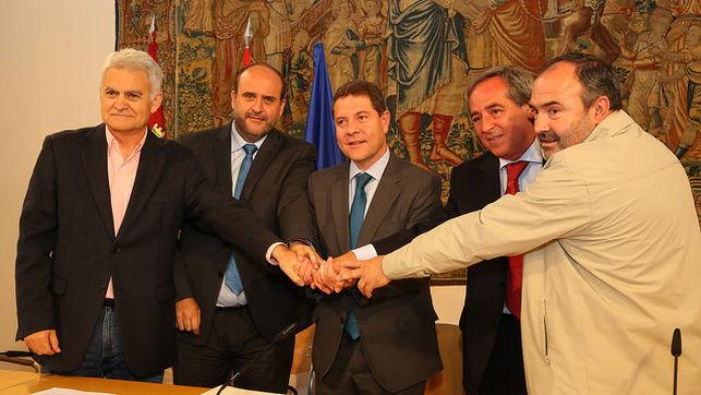 Pacto-recuperacion-Castilla-La-Mancha-JCCM_EDIIMA20151006_0523_18
