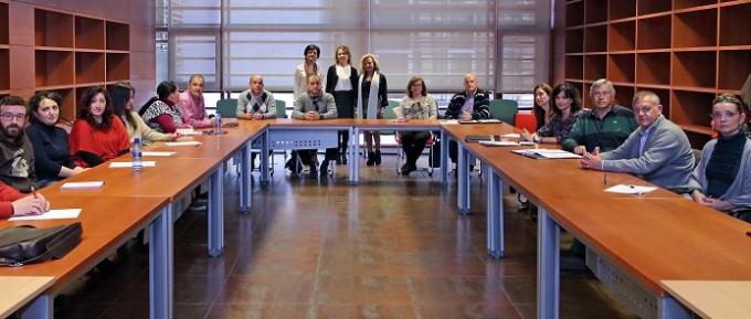 Toledo, 3-12-2015.- La consejera de Bienestar Social, Aurelia Sánchez Navarro durante el encuentro con los participantes en el curso de Educación Vial para educadores que se desarrolla en la Consejería. (Foto: Álvaro Ruiz // JCCM)