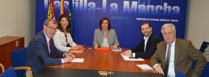 Foto reunión consejera EEE con FEACEM