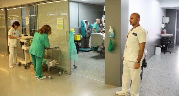 Con la paralización de esta jornada se ponen en riesgo 450 puestos de trabajo en sanidad.