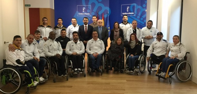 Recepción con el equipo de deporte adaptado AMIAB ALBACETE