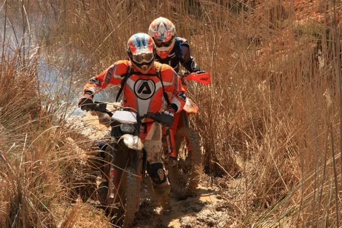 motos en el campo