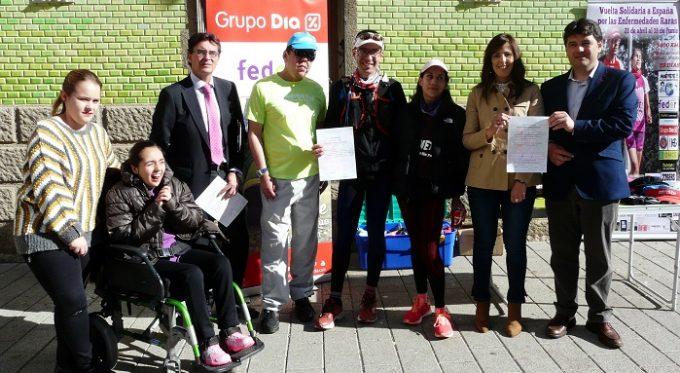 Foto. María Gil y Francisco Navarro reciben a los participantes en la Vuelta Solidaria a España por las Enfermedades Raras
