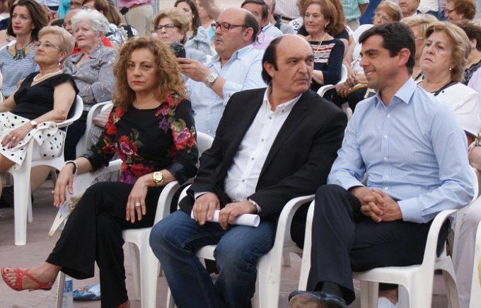 Foto. Javier Cuenca pone en valor la importancia del movimiento vecinal para la capital (2). 3-6-16