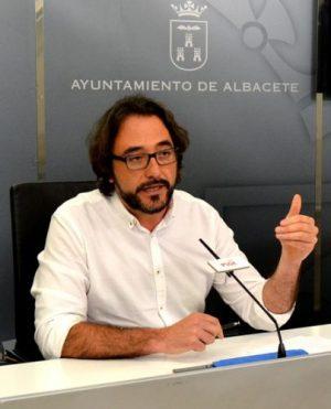Juanjo Segura PSOE fiesta arbol