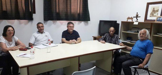 Un momento de la reunión con los diputados provincia en Fuensanta