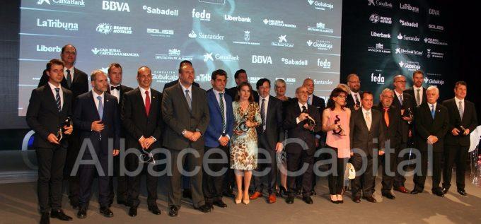 foto familia premios FEDA