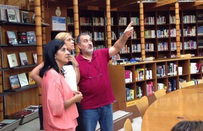 Carmen y Francis bibliotecas (2)