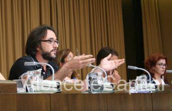 Juanjo Segura, edil del PSOE, afeando que C´s haya defendido su voto contrario a Soriano en vez de la moción.