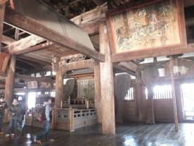 Temple tua di tengah desa (1)