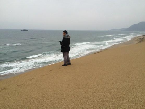 Bermain di sand dune (2)