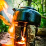 Torche suédoise et bouilloire