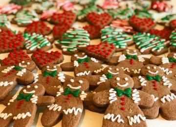 Sara Cucina Biscotti Di Natale.Cucina Con Sara Casa Di Marzapane Zuppe Zucche E Pan Di Zenzero La
