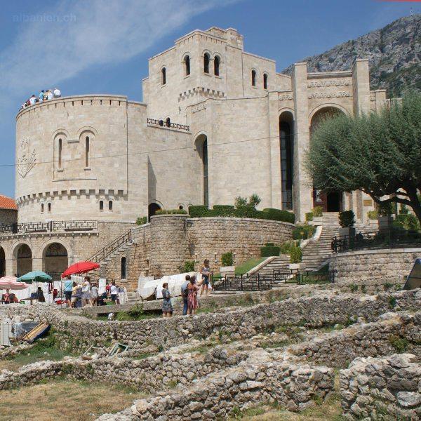 Wo finde ich Informationen zu den wichtigsten Sehenswürdigkeiten Albaniens?