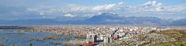 Blick in die Berge von der Burg Shkodra, Albanien