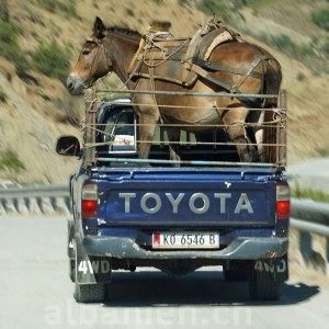 Autofahren: Albaniens eigene Strassenregeln
