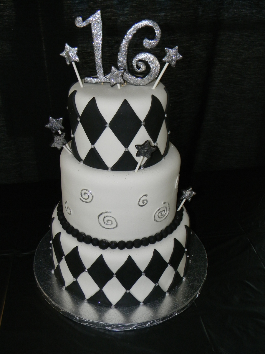 16 Birthday Cakes Black And White 16th Cake For Boy Cakecentral