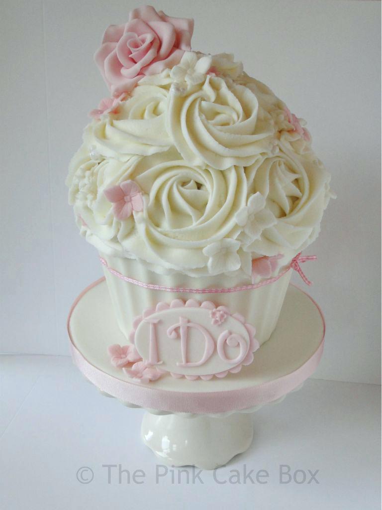 18Th Birthday Cake Designs Giant Cupcake Wedding Ideas Cakes Design For 18th S
