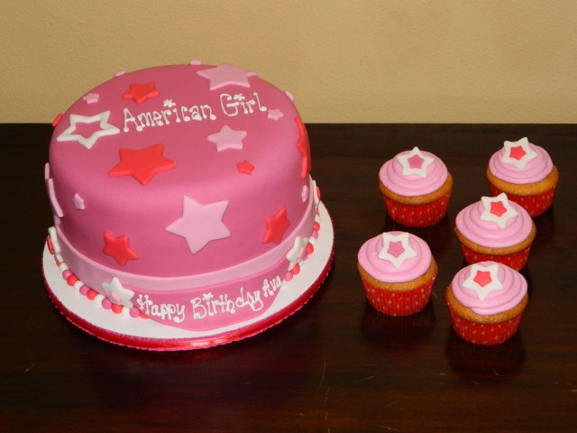 American Girl Birthday Cake American Girl Themed Birthday Cake With Cupcakes Cakes American