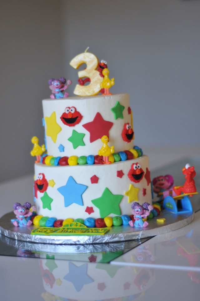 Awesome Birthday Cakes Very Cool Birthday Cake For A 3 Year Old Girl Food Drink