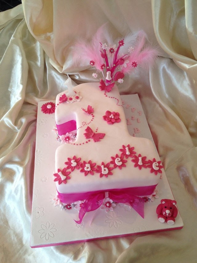 Baby Girl Birthday Cake Ba Girls 1st Birthday Cake Karen Kavanagh Flickr