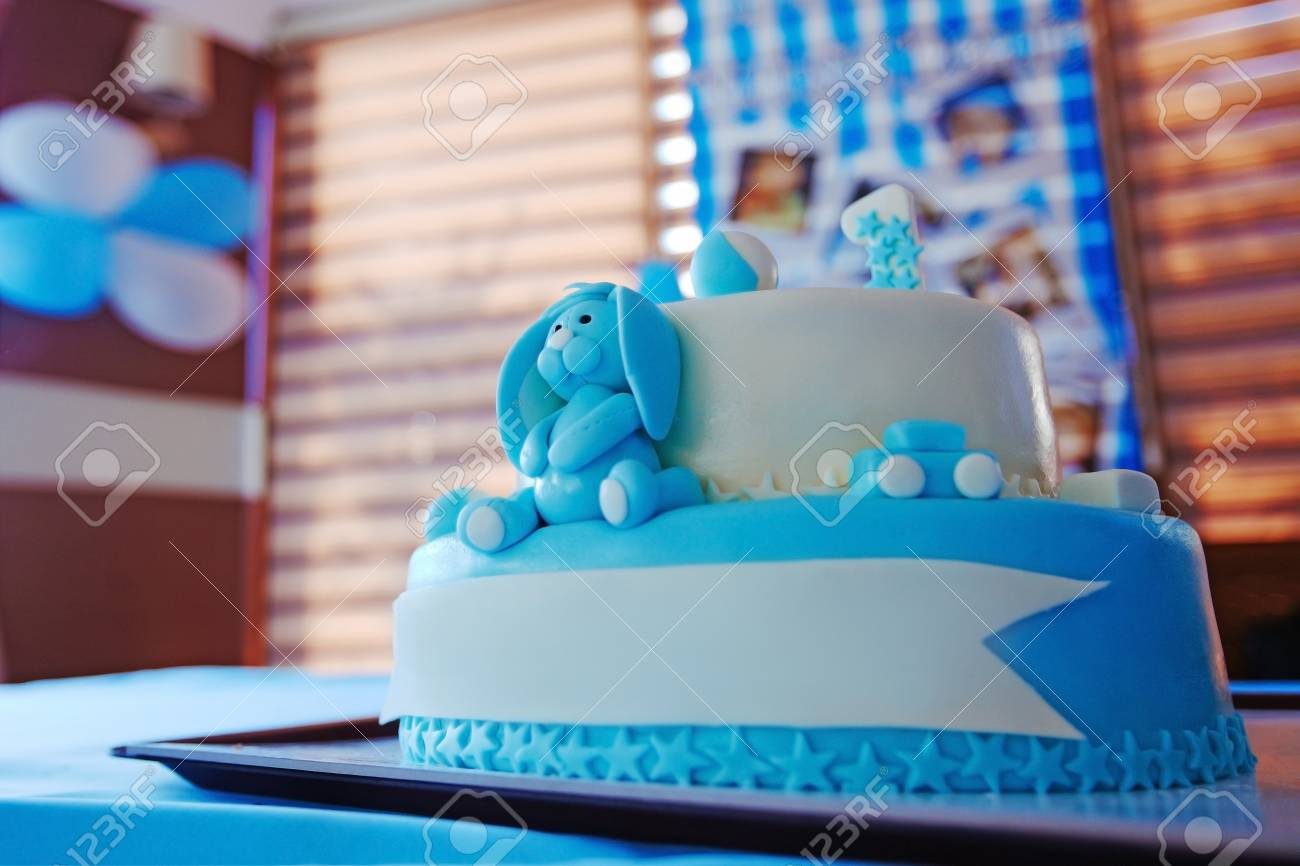 Birthday Cake For 1 Year Old Boy Lizenzfreie Fotos Bilder Und Stock
