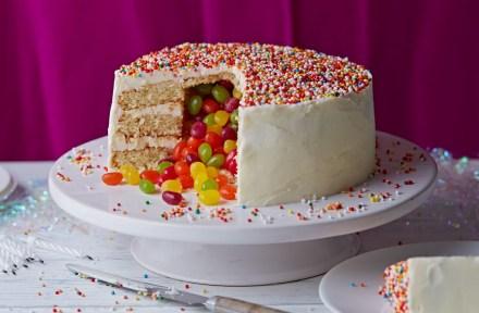 Birthday Cake Recipes Surprise Pinata Cake Cake Ideas Tesco Real Food